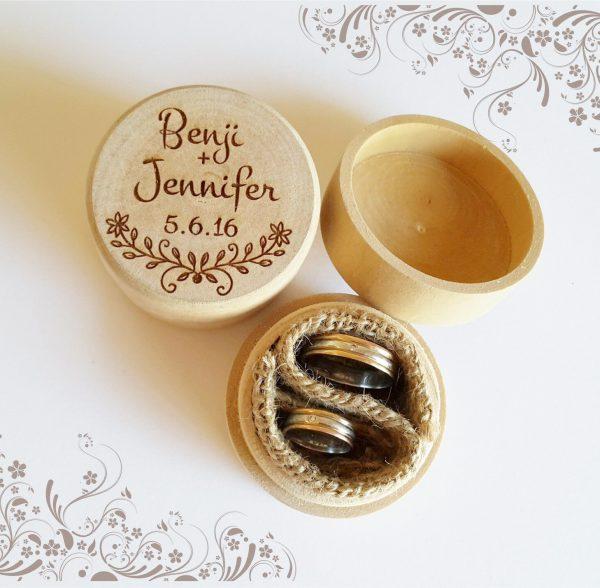 Burlap Round Ring Box